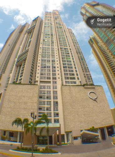Q Tower  Edificio