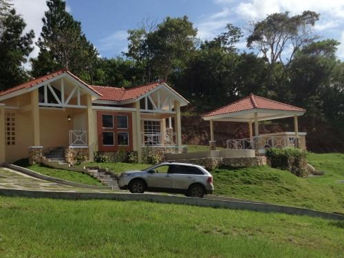Trinity Hills Valley  Barriada