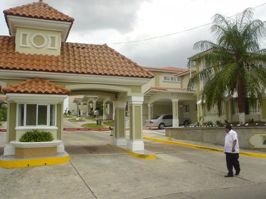 Brisas del Golf Panamá Comunidad cerrada