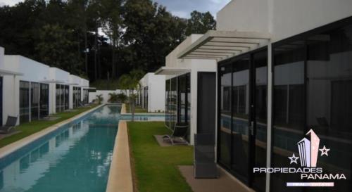 village at the pool Comunidad cerrada
