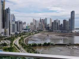 White Tower Avenida Balboa, Panamá