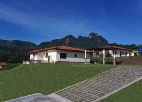 Trinity Hills Valley  Lídice, Capira