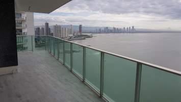 Oasis Tower San Francisco, Panamá